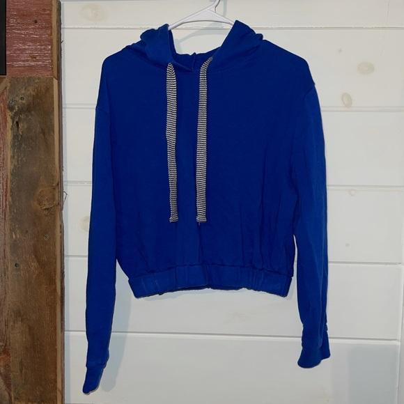 Women's crop top hoodie